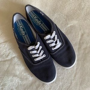 Keds Sneakers, Champion Originals size 6 🐳